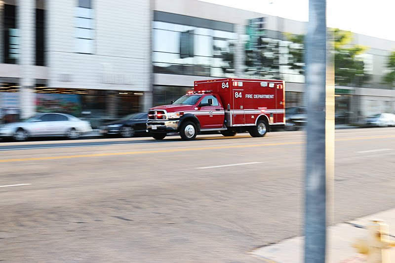 Albuquerque, NM – APD Dispatched to Injury Crash at Erbbe St & Buena Ventura Rd