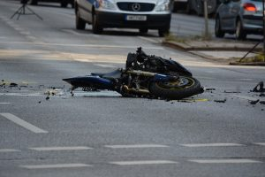 Manhattan, NY – Motorcyclist Injured in Crash on Post Ave
