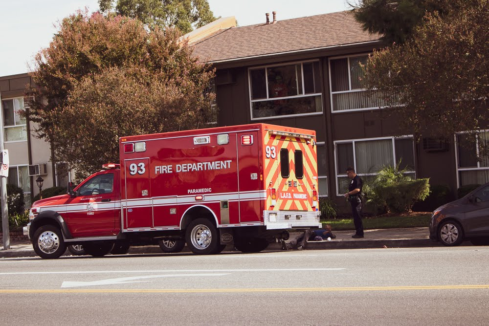 Los Angeles, CA – Truck Accident on De Garmo Ave Results in Injuries