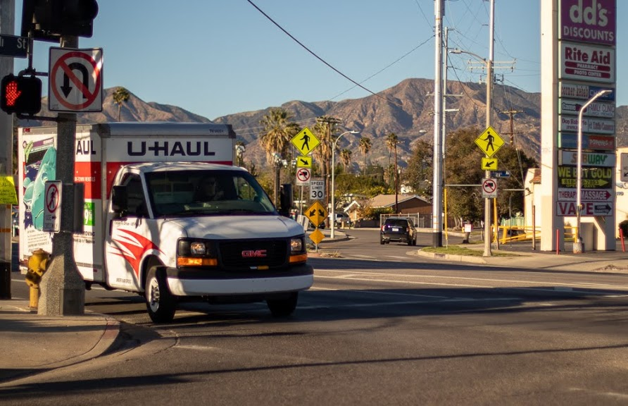 Queens, NY – Injuries Reported in Two-Vehicle Crash on Mott Ave