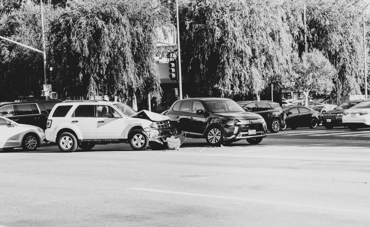 Pittsford, NY – Car Crash with Injuries at South St & E Jefferson Rd
