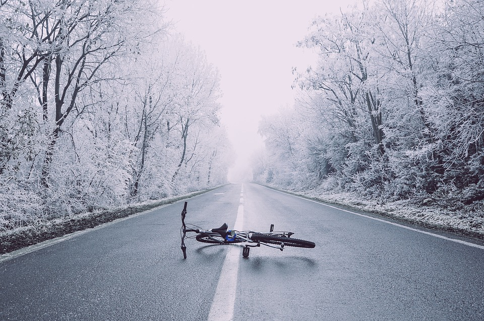Bronx, NY – Bicyclist Struck by Vehicle at E 161st St & River Ave