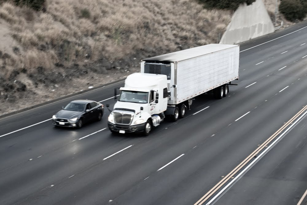 Pikesville, MD – Two Injured in Truck Crash on I-695 between Stevenson Rd and Greenspring Ave